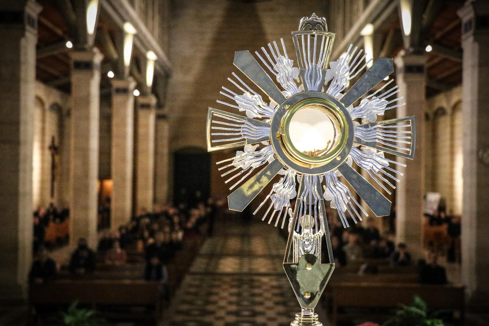 2018-11-29, Generalversammlung, Eucharistische Stunde 01